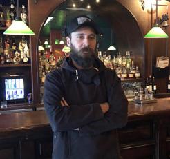 Bir duayen, bir işletme / Zeplin Pub&Delicatessen, Serhat Kankur